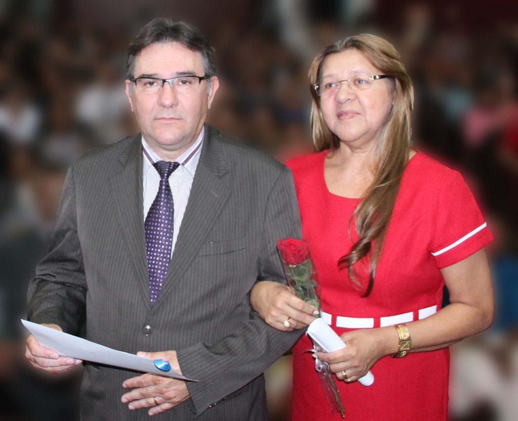 Pastor Mosaniel e sua esposa Edileusa Matias