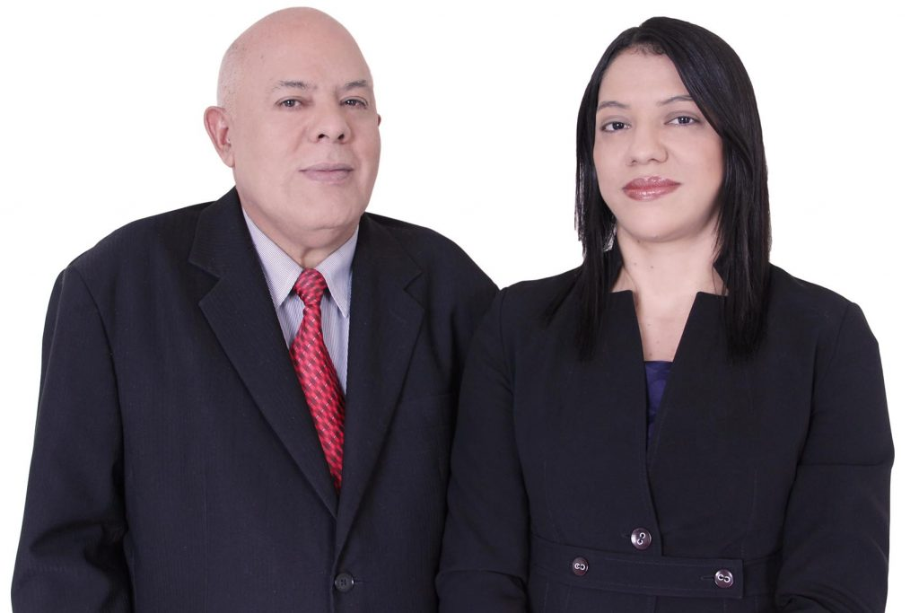 Pastor Ruberval e sua esposa Fernanda Leal