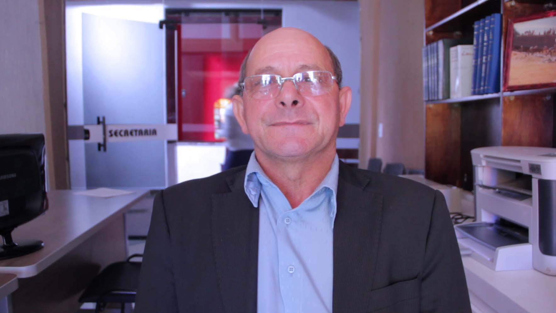 Pastor Divino Moreira