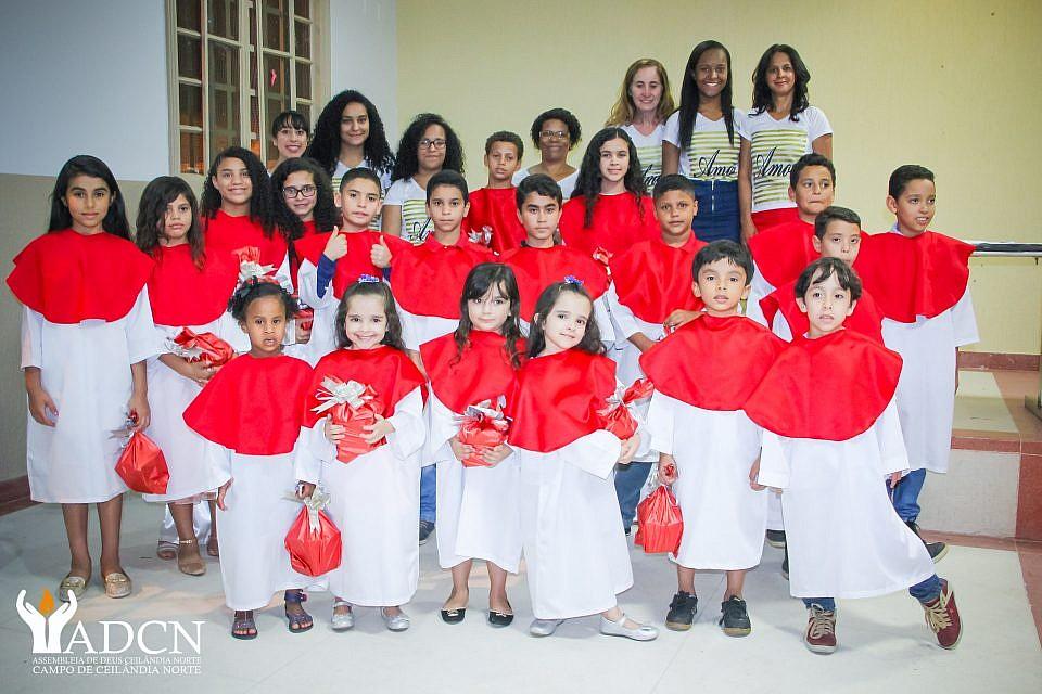 Fotos da Cantata de Natal ADCN Kids